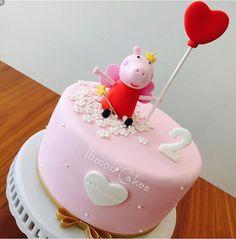 Girls 3rd Birthday, Baby Birthday Cakes, Pig Birthday, 3rd Birthday Parties, Tortas Peppa Pig, Bolo Da Peppa Pig, Pig Party, Cake Decorating, Birthdays