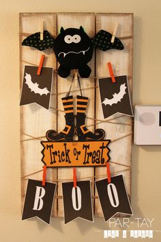 Halloween boo banner free printable.  Halloween board decorations for entryway.