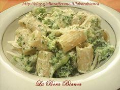 La pasta con broccoli e ricotta è una ricetta vegetariana delicata e semplice da preparare: si utilizzano pochi ingredienti, per un risultato squisito!
