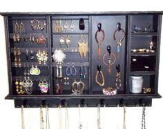 Jewelry Display Organizer von BlackForestCottage auf Etsy