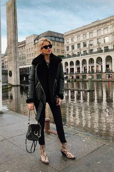 My style is simple and these are my favorite winter outfits - Street Style Winter Chic, Winter Mode, Autumn Winter Fashion, Winter Wear, Mens Winter, Winter Style, Simple Winter Outfits, Winter Outfits Women, Winter Fashion Outfits