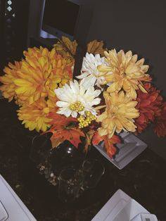 🍂🍁🦃Fall Table Decor on a Budget!! Flowers & Vase from Walmart 🦃🍂🍁