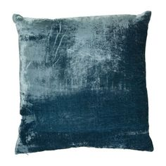 us amara lifestyle  William Yeoward - Paddy Velvet Cushion - 50x50cm - Turquoise