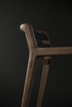 Comodo by Miyazaki Chair Factory Design Inoda + Sveje Furniture Sets Design, Simple Furniture, Classic Furniture, Cheap Furniture, Dining Furniture, Modern Furniture, Furniture Stores, Dining Chairs, Painted Wooden Chairs