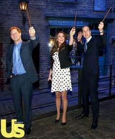 Everything British you love in one photo... Yes! The Duke and Duchess if Cambridge visit the sets of Harry Potter!