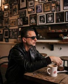 ~ Dave kicking it ~ I want to go there too! Dave Gahan, Depeche Mode Spirit Tour, Portrait Editorial, Martin Gore, Solo Pics, Post Punk, Music Love, David Bowie, Music Bands
