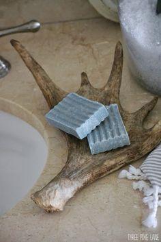 rustic bathroom soap dish for the MAN bathroom Antler Crafts, Antler Art, Western Decor, Rustic Decor, Man Bathroom, Rustic Bathrooms, Western Bathrooms, The Ranch, Log Homes