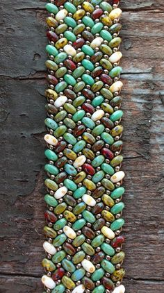 Finally mastered herringbone stitch with these beautiful Super Duo seed beads! - Crafting For Holidays