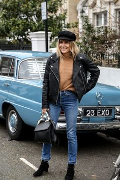 a1af8f4771b12 Lucy Williams of Fashion Me Now carrying her T Satchel around London