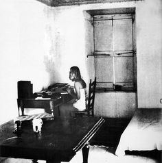 Marianne Ihlen on the sleeve of Cohen's 1969 LP, Songs from a Room