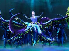 WOW!!!!  This would be a big project but would have an awesome effect on stage! Love the lighting as well. Little Mermaid School Play