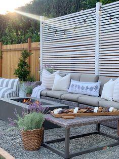 Lavender Decor, Lavender Flowers, Vintage Porch, Cute Home Decor, Outdoor Living, Outdoor Decor, Charcuterie Board, Porch Decorating, Homemaking