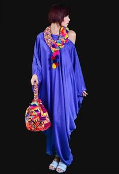 Resultado de imagen para martha arredondo diseñadora guajira Milan Fashion, Boho Fashion, Fashion Show, Womens Fashion, Neon Outfits, Boho Outfits, Bohemian Hairstyles, Classy Dress, Textiles