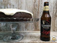 Tarta de chocolate Guinness - Vuelta y Vuelta Guinness, Beer Bottle, Chocolate, The Originals, Drinks, Food, Cream Cheeses, Custard, Crack Cake