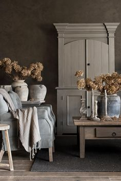 hoffz interior, hoffz cupboard, capiton armchair, rural home accessories - Oliv . Rustic French, French Country House, Country Living, French Home Decor, French Country Decorating, Home 21, Design Studio, Cool Ideas, Inspired Homes