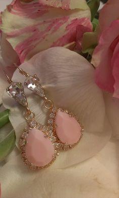 Σκουλαρίκια κρεμαστά σε ροζ παλ απόχρωση Make It Rain, Jewellery, Bracelets, How To Make, Gold, Jewels, Schmuck, Bracelet, Jewelry Shop