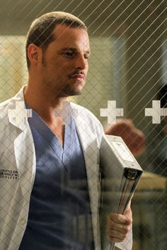 TV's Hottest Doctors: Dr. David Sawyer (Justin Bartha), The New Normal