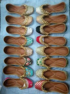 Attractive punjabi shoes for the woman of today Are you thinking about indian ladies jutti Want to know more about Indian Shoes, Indian Jewelry, Punjabi Fashion, Indian Fashion, Indian Accessories, Wedding Flats, Pretty Shoes, Beautiful Shoes, Bridal Shoes
