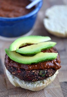 Black Bean Mole Burgers! A hearty, flavourful vegan burger with a rich mole sauce (chocolate and chili!)