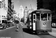 São Paulo – História em fotos antigas – Old photos of Sao Paulo – 照片聖保羅安蒂加 – الصور القديمة من ساو باولو History Of Time, Alternative Photography, Sao Paulo Brazil, Bonde, Architecture Old, Old City, Historical Photos, Old Photos, Vintage Photos