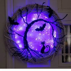Best 40 chic scary pumpkin carving ideas for halloween in this year 67 Halloween Front Door Decorations, Halloween Front Doors, Halloween Party Decor, Holidays Halloween, Spooky Halloween, Halloween Lighting, Halloween Wreaths, Outdoor Decorations, Diy Party