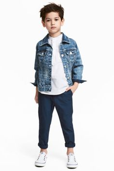 Welcome to H&M, your shopping destination for fashion online. Boys Clothes Style, Kids Clothes Boys, Kids Fashion Boy, Little Fashion, Garçonnet Swag, Boys Denim Jacket, Wedding Outfit For Boys, Toddler Boy Haircuts, Baby Boy Swag