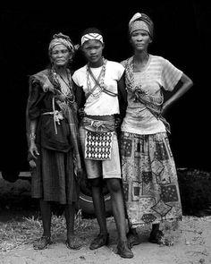 San Bushmen Grandmother, Granddaughter, and Daughter, Botswana, 2009.  Photo: Dana Gluckstein