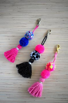 Pom pom keychain Purse charm Tassel keychain Tassel bag charm Hot pink pom pom bag accessories Black pompom handbag charm Boho key chain Brand new keychain- colorful bag charm / keychain made of hand crafted pom poms and tassels. Available in 3 different color options. ♥ Art N Craft, Craft Stick Crafts, Diy Craft Projects, Diy Keychain, Tassel Keychain, Pom Pom Crafts, Yarn Crafts, Etsy Crafts, Crochet Leaf Patterns