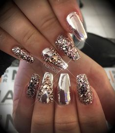 60 Sparkle Glitter Nails For 2019 Glam Nails, Hot Nails, Fancy Nails, Bling Nails, Glitter Nails, Gold Glitter, Glitter Eyeshadow, Gold Acrylic Nails, Rose Gold Nails