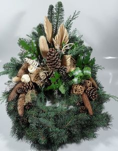 Výsledok vyhľadávania obrázkov pre dopyt kränze für allerheiligen Christmas Wreaths, Merry Christmas, Funeral Flowers, November, Holiday Decor, Fall, Crafts, Home Decor, Ideas