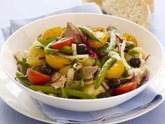 Salade nicoise ist ein Rezept mit frischen Zutaten aus der Kategorie Salat. Probieren Sie dieses und weitere Rezepte von EAT SMARTER!