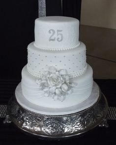 25th wedding anniversary cake decoration ~ http://womenboard.net/getting-25th-wedding-anniversary-cakes/