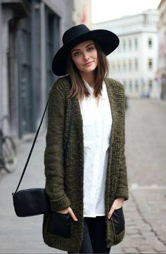 Knitted cardigan and large brimmed hat, sweetness revived