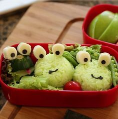 This cute frog trio will make your kids HOP for joy! #back2school #bento #kids