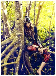 Gipsy Queen / Magazine : Vogue España February 2012 / Model : Monika Sawicka / Photographer : Victor Demarchelier / Stylist : Melanie Huynh