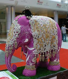 Mooch monkey at the London Elephant Parade - 050 Heaven's Haathi Elephant Quilt, Elephant Walk, Elephant Parade, Elephant Love, Painted Elephants, All About Elephants, Adventure Stories, Animal Paintings, Public Art