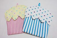 Totally Tutorials: Tutorial - How to Make Cup Cake Oven Mitts