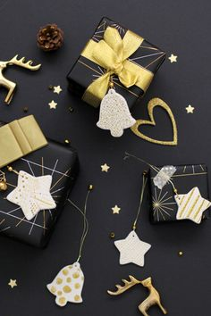 Make a statement with your gift wrapping this Christmas. These black, gold and silver presents with hand painted cards are sure to do the trick! @brotherau #brotherinspireschristmas