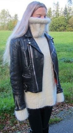 Gros Pull Mohair, Autumn Fashion, Women's Fashion, Red T, Angora Sweater, Thick Sweaters, Jumpers, Latex, Leather Jacket