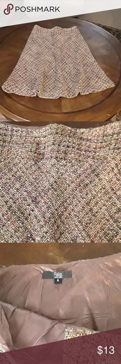 Tweed skirt Folio size 4 Perfect condition, real tweed. No flaws. Folio Skirts A-Line or Full