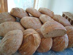Friss kenyér a kemencéből