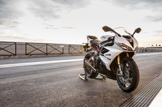 TRIUMPH Daytona 675 R 2013 Wallpaper 16