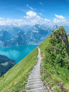 Ausflugstipps in der Schweiz für warme Sommertage Switzerland Destinations, Visit Switzerland, Lucerne Switzerland, Travel Destinations, Beautiful Sites, Beautiful Places To Visit, Lamborghini, Ferrari, Mercedes