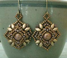 Linda's Crafty Inspirations: Quadretto Earrings - Mauve & Gold