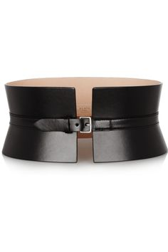 Exquisite craftsmanship and outfit-transforming appeal are the hallmarks of Alaïa's coveted accessories. This black leather waist belt is a stunning case in point - note the peplum-inspired cut that promises to sculpt a sensational silhouette. Separates are key this season, and this shape-defining design stands out as the most stylish way to punctuate sweaters and skirts.
