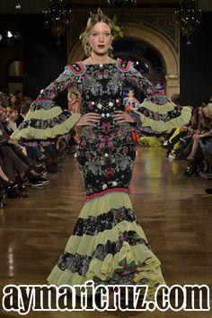 We Love Flamenco 2015. Sánchez Murube: Kallisté (la más bella) | Moda Flamenca por Cayetano Gómez vía ¡Ay Maricrú!
