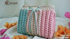Learn how to make beautiful crochet purses with this super simple and creative tutorial. : Learn how to make beautiful crochet purses with this super simple and creative tutorial. Crochet Bag Tutorials, Diy Crafts Crochet, Crochet Videos, Crochet Gifts, Easy Crochet, Free Crochet, Crochet Coin Purse, Crochet Backpack, Crochet Purses