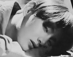 bts gif black and white bts b&w b&w edit b&w aesthetic bts icons black and white icons aesthetic gif Bts Taehyung, Bts Bangtan Boy, Jimin, Daegu, Foto Bts, V Gif, V Bts Wallpaper, Bts Backgrounds, Aesthetic Gif