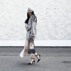 20 Blogger-Approved Outfits That Feel Just Like Pajamas: We all have those mornings where we just aren't feeling it: maybe you're in a grumpy mood or you spent the night tossing and turning, unable to fall asleep.