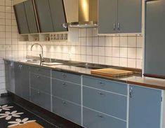 Himle Kök - Retro 60s Kitchen, Swedish Kitchen, Retro Kitchen Decor, Kitchen Interior, Vintage Kitchen, Kitchen Cupboard Doors, Kitchen Cabinets, Vintage Oven, 60s Furniture